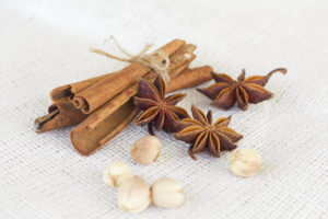 Star anise 'cinnamon sticks 'cardamon seeds